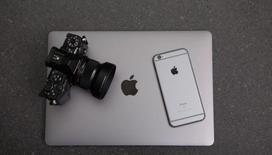 apple-black-and-white-camera-306763